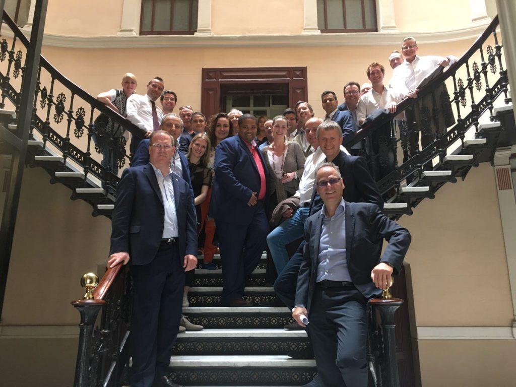 luxury Il meeting internazionale dei professionisti del Luxury Real Estate BLOG Coldwell Banker Espana Andorra Equipo Escalera 1024x768