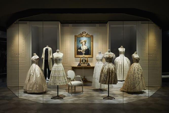 dior Dior, in mostra i 70 anni della Maison parigina da72bb7c c6a2 4b4b acb4 84536c7ede0f