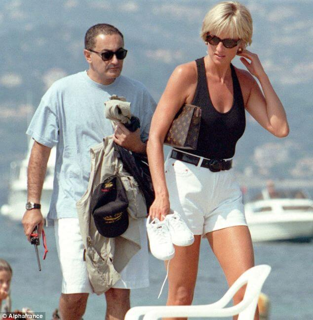 ladydianadodi lady diana Lady Diana: icona di stile senza tempo article 0 119D0B07000005DC 141 634x650