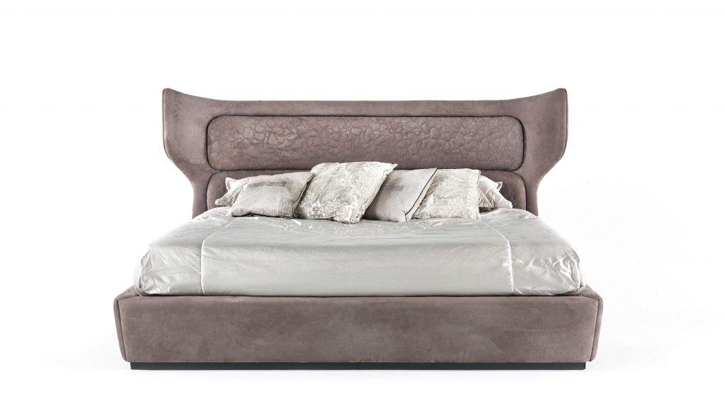 robertocavalliletto roberto cavalli Roberto Cavalli Home Interiors: stile lussuoso ed evocativo RCHI GUAM bed 1024x591