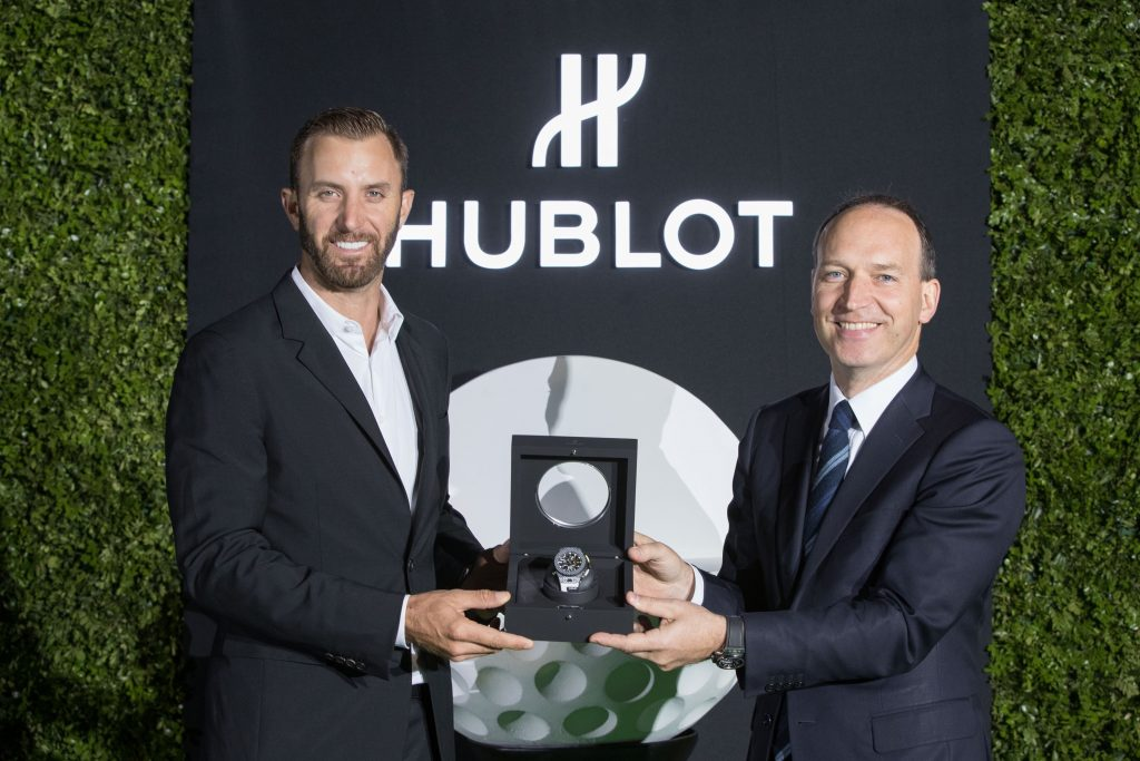 hublot Hublot presenta il primo orologio meccanico da golf a finestrelle dustin johnson and philippe tardivel 2 1024x683