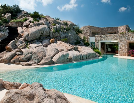 villa golden Villa Golden: extra-lusso nel cuore della Costa Smeralda 20170804155637 6 520x400