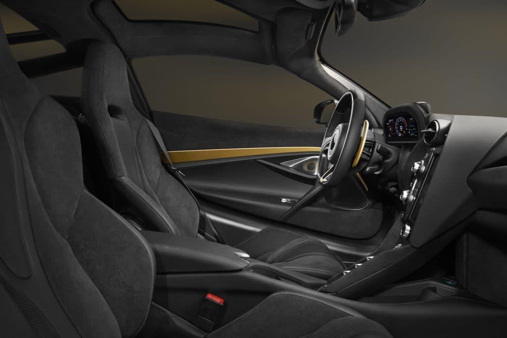 mclaren720 mclaren McLaren 720 MSO Bespoke: la supercar personalizzata debutta a Dubai 720S Dubai on grey gold 10 1024x683