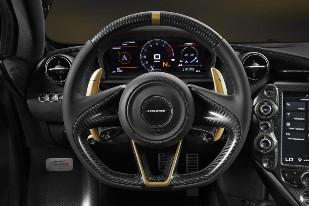 mclaren720mso mclaren McLaren 720 MSO Bespoke: la supercar personalizzata debutta a Dubai 720S Dubai on grey gold 8 1024x683