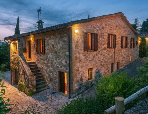 dimora di vibio Dimora di Vibio: un casale esclusivo in vendita nel cuore dell'Italia resort umbria fattoria di vibio3 1 520x400