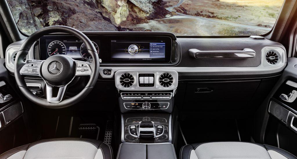 mercedes-benz classe g mercedes-benz classe g Mercedes-Benz Classe G: una leggenda che guarda al futuro 17C977 001 1024x551