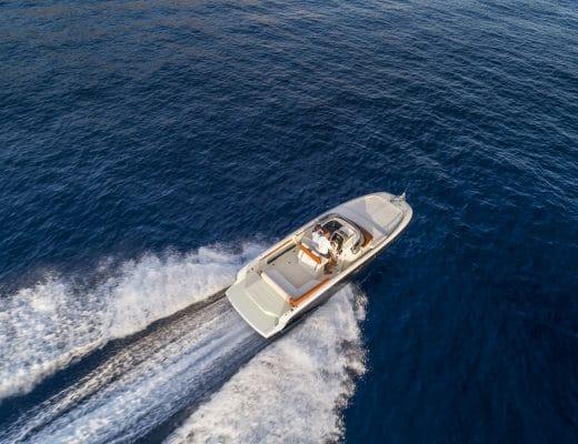 yacht Invictus Yacht 250cx: un concentrato di dotazioni e comfort 250cx v01 inserimento03 01 520x400
