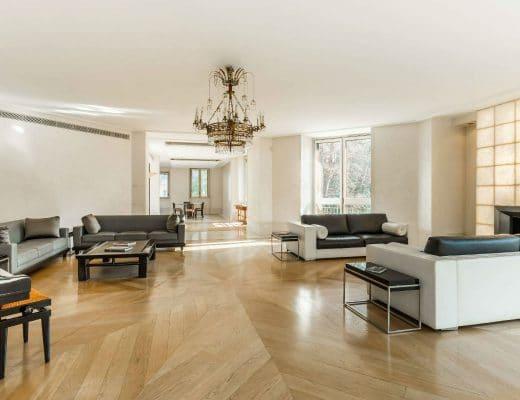 versace Versace Mansion: in vendita a Milano la villa da sogno dell'imprenditore 2018022193348 3 1 520x400