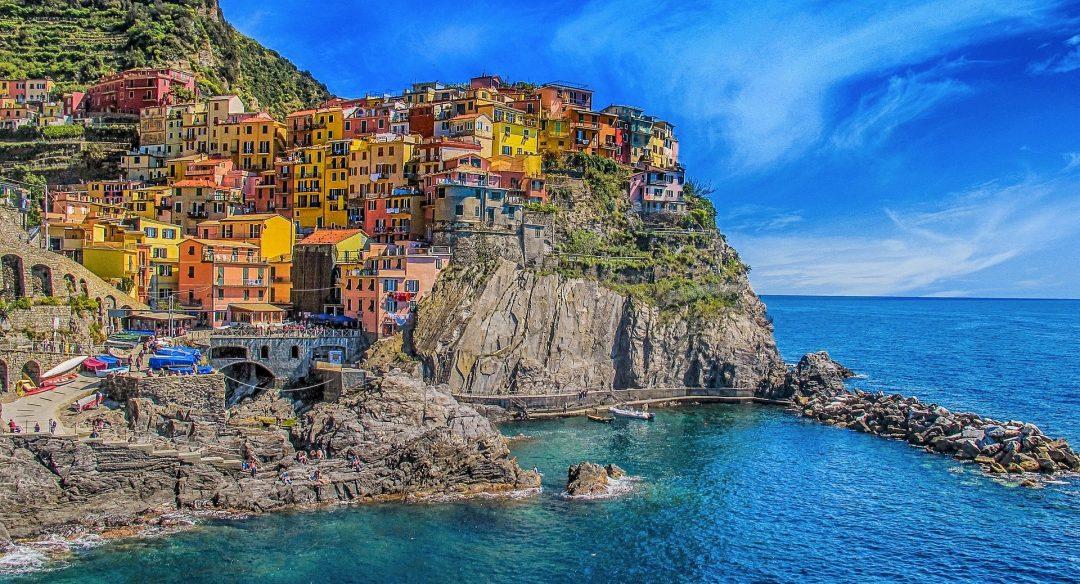immobili di prestigio Lifestyle: immobili di prestigio vista mare cinque terre 1859688 1920 1080x584