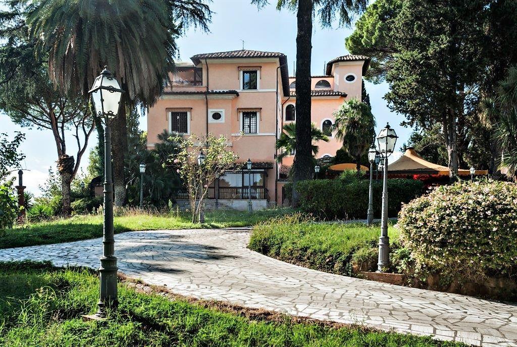 villa balestra villa balestra Villa Balestra: quando l'eccellenza immobiliare sposa il prestigio di un brand 20151019161614 50