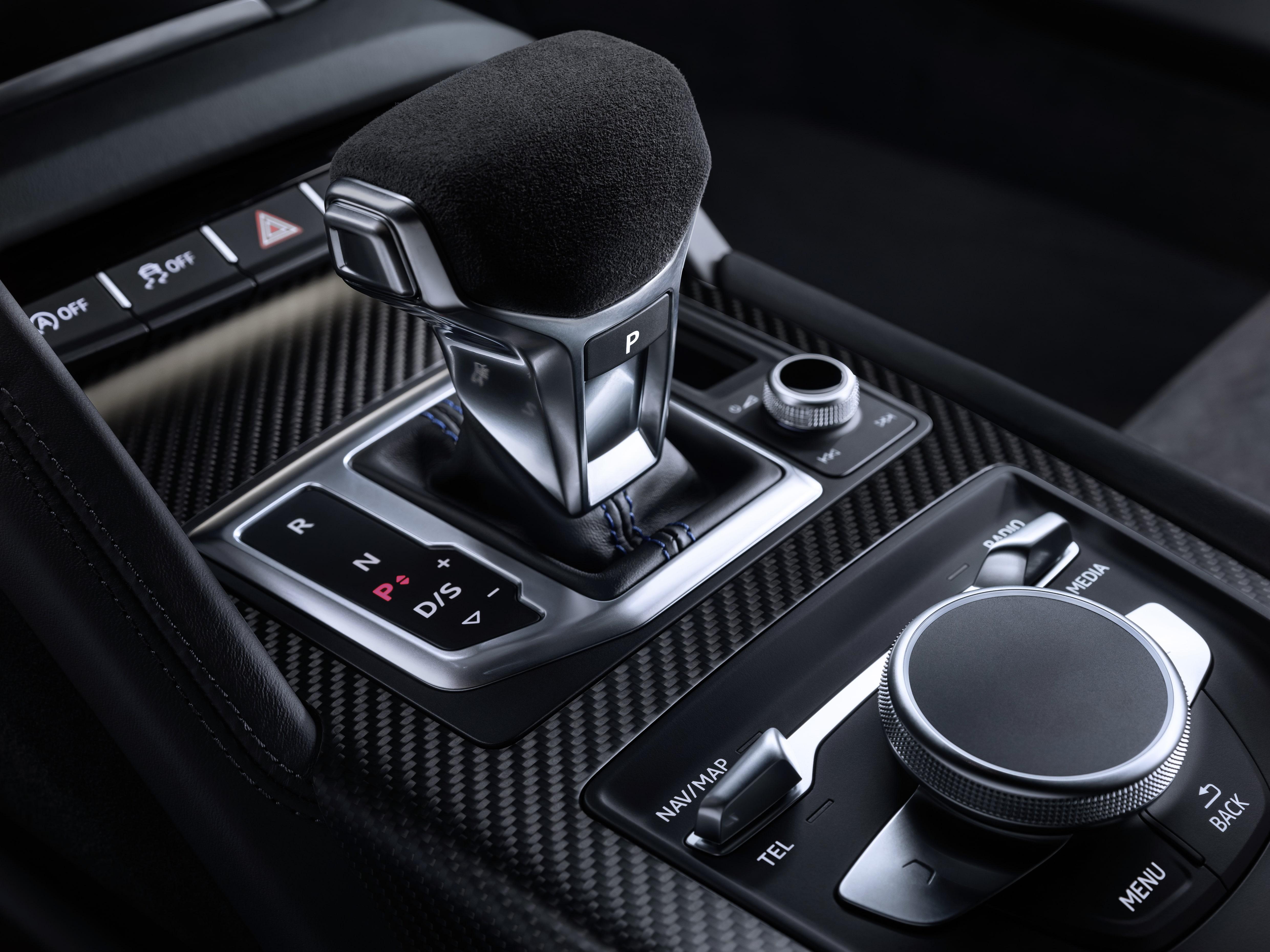 audi r8 audi r8 Audi R8 2019: design aggressivo e performance superiori a1812849 large