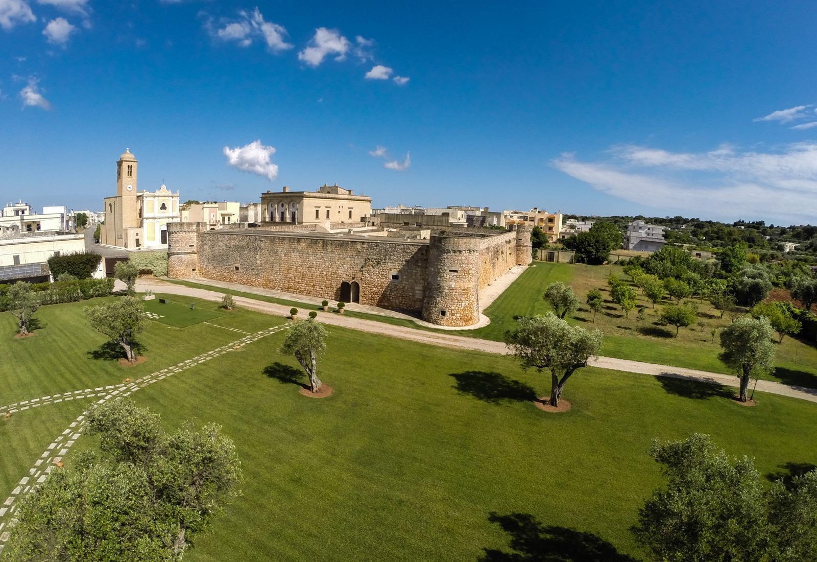 castello Acquistare un castello: dimora di lusso senza tempo CASTELLO TRICASE