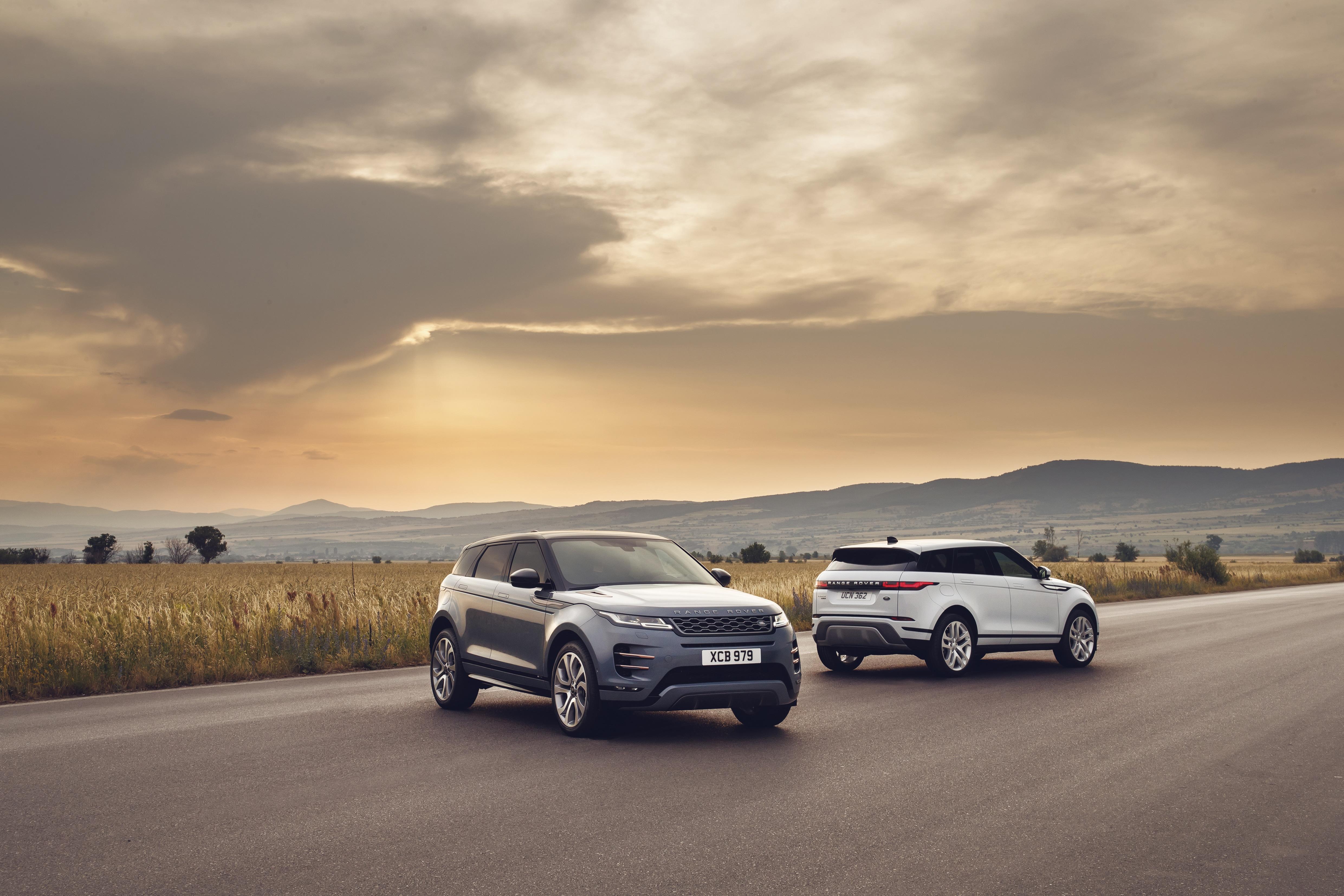 range rover evoque range rover evoque Range Rover Evoque: un suv di lusso per viaggiare in città rr evq 20my static nd 221118 08