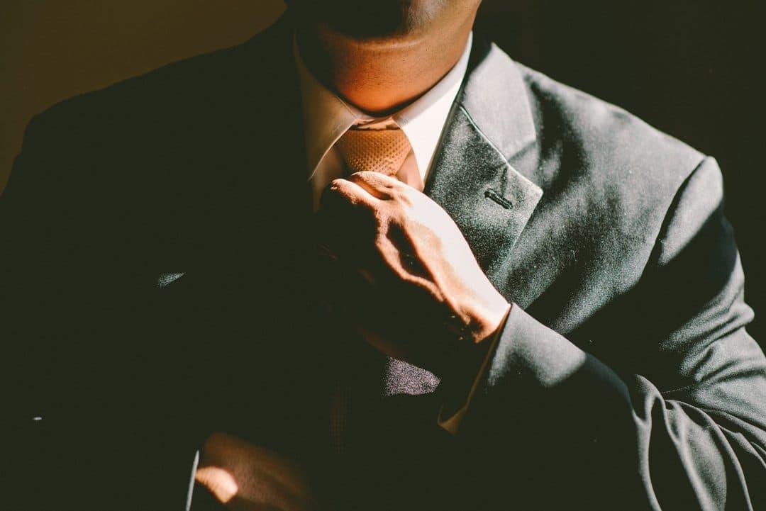 luxury advisor Carriera immobiliare: versatilità e vantaggi esclusivi tie 690084 1920 1080x721