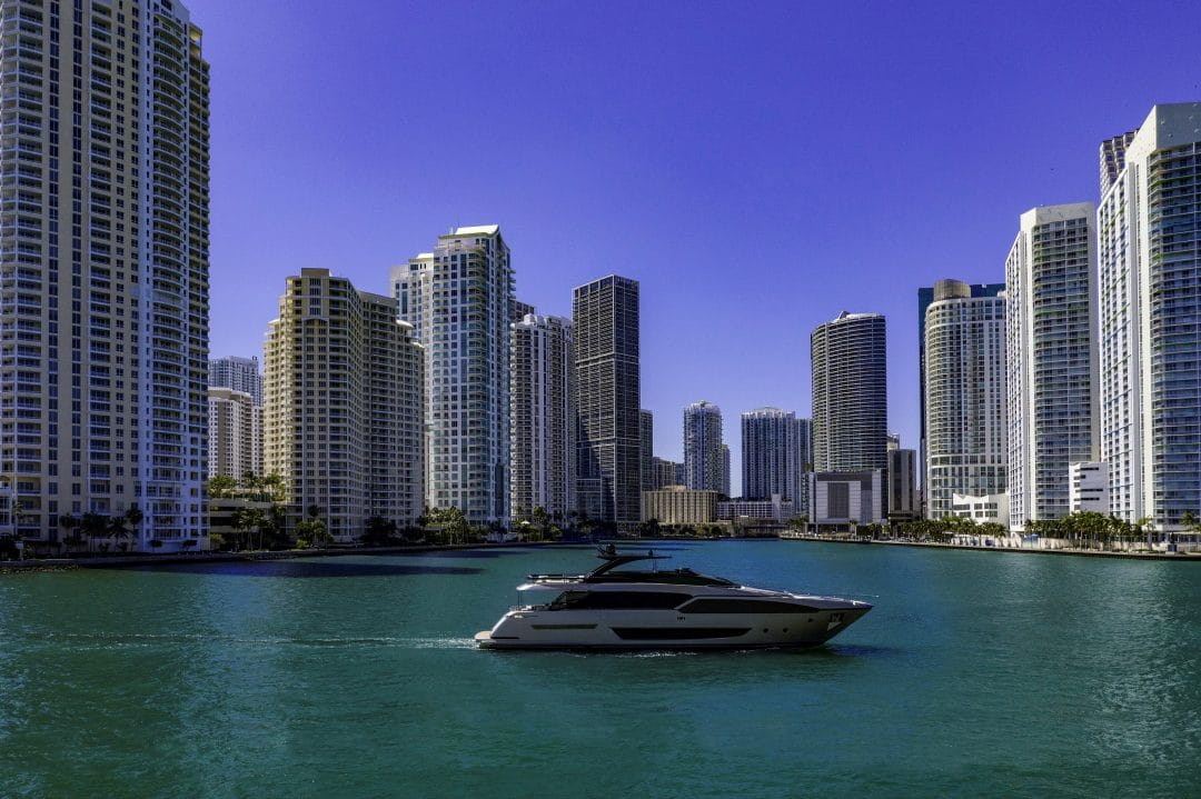 riva yachts Riva 90′ Argo: il nuovo flybridge Riva 90 Argo 1080x719