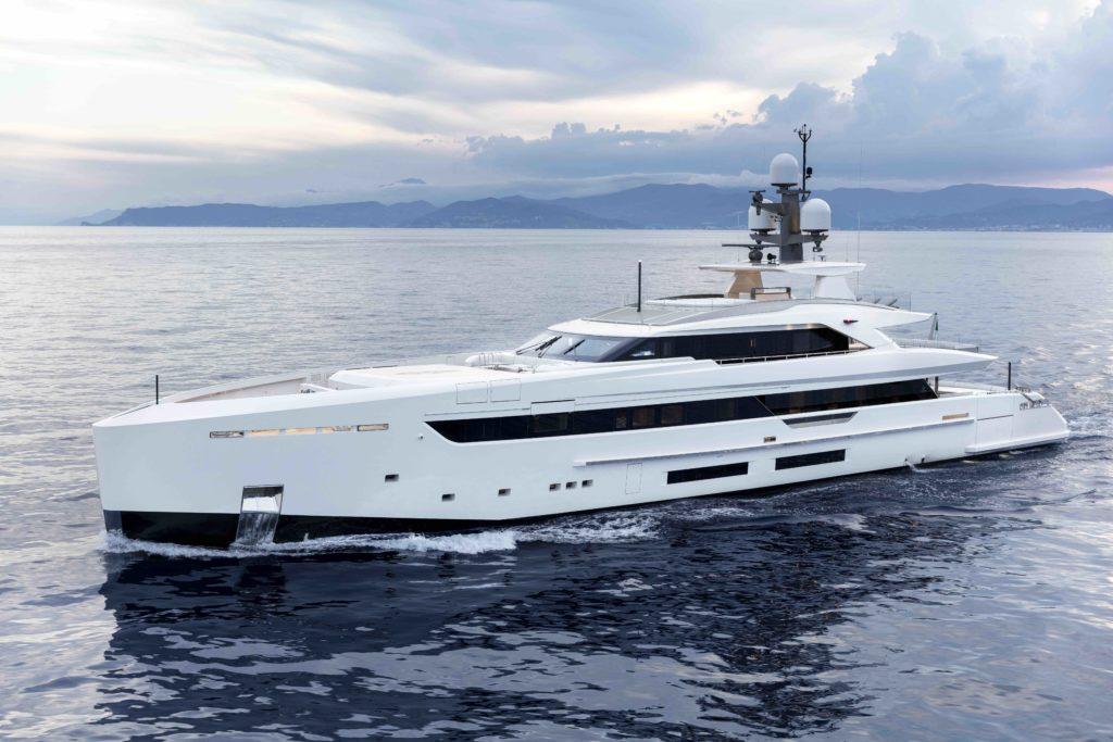 yacht Uno yacht ecologico ed efficiente 1p6a7171 1024x683