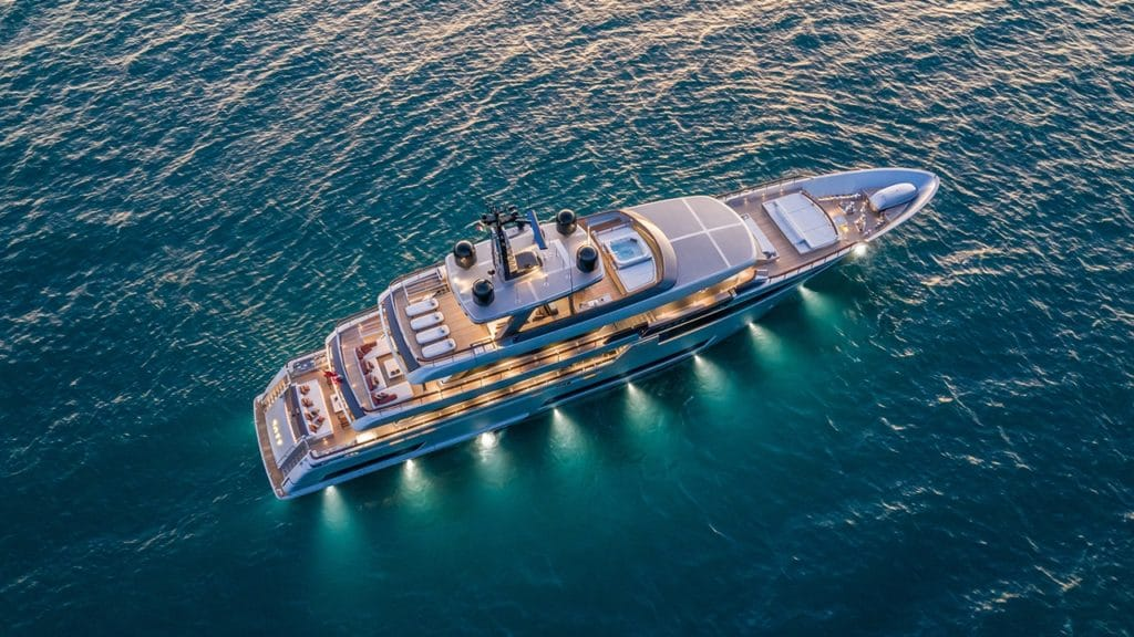 "riva yacht Riva 50 trionfa ai ""Boat International Design & Innovation Awards 2020"" u3F3XbI7TQK7ekbgFjHZ Riva Race aerial 1280x720 1024x576"